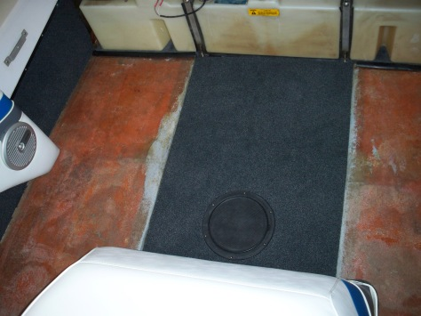 Rear floor panel (removable)
